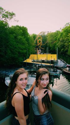 #buschgardens Busch gardens #photo photography amusement park #rollarcoaster cute photo with friends #friend carnival