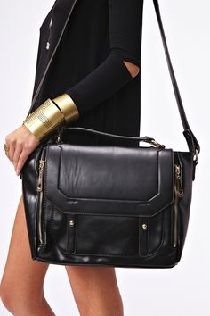 Blair Messenger Bag in Black