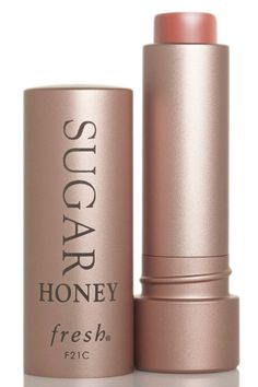 Shop Fresh's Sugar Lip Treatment Sunscreen SPF 15 at Sephora. This top-selling lip treatment with SPF 15 nourishes, protects, and plumps the lips. Lip Gloss Colors, Lipstick Colors, Lip Colors, Sephora, Creme Anti Rides, Gloss Matte, Best Lipsticks, Kissable Lips, Nude Lipstick