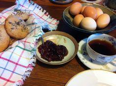 Zemmel, farm eggs, coffee