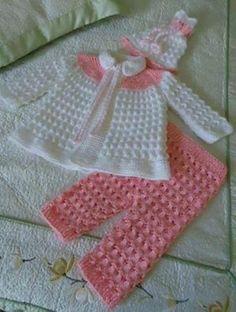 Renkli örgü bebek takım