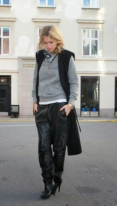 How to Chic: HOW TO WEAR LEATHER TROUSERS