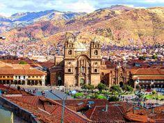 Desde las alturas  #church #architecture #arquitectura #cusco #cuzco #iglesia #peru #visitperu #travelawesome #traveladdict #travel #traveling #travelingram #travelgram #landscape #canon #natgeo #backpacking #backpacker #love #awesome #amazing #orange #mochilero #city #cityscape by andreapadifi