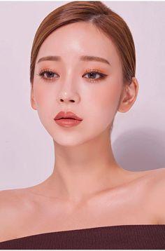 Asian Makeup Looks, Korean Natural Makeup, Korean Makeup Look, Makeup Looks For Brown Eyes, Asian Eye Makeup, Bridal Makeup Looks, Asian Wedding Makeup, Pony Makeup, Nude Makeup