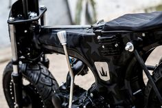 """Alien Duce"" / Lucky Custom Mini Chopper, Brat Cafe, 50cc, Mini Bike, Custom Bikes, Ducati, Bobber, Golf Bags, Motor Car"