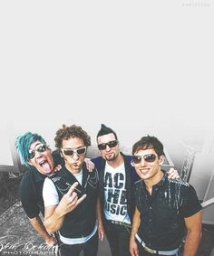 bshmhmSDG HOTT... Emo Bands, Music Bands, Marianna Trench, Marianas Trench Band, Josh Ramsay, Classic Rock Bands, Tyler Oakley, Fall Out Boy, Kinds Of Music
