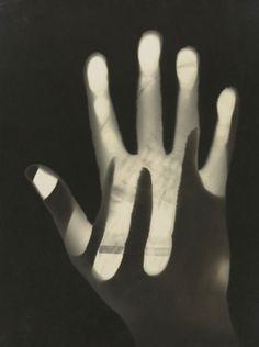 László Moholy-Nagy. Photogram. 1925 ●彡