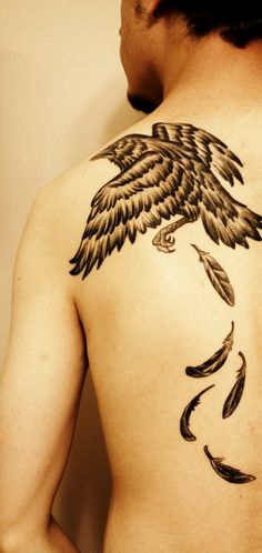 awesome tattoo... would not put it on my shoulder though.