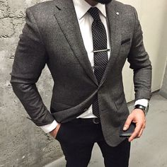 Rock a charcoal plaid wool blazer with black dress pants if you're aiming for a neat, stylish ensemble. Mode Masculine, Men's Suits, Cool Suits, Grey Suit White Shirt, Grey Blazer Black Pants, White Shirts, Stylish Men, Men Casual, Celebridades Fashion