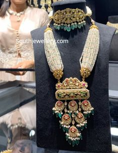 Pearl choker and long necklace with uncut diamond pendants photo Indian Jewelry Earrings, Indian Jewelry Sets, Jewelry Design Earrings, Gold Bangles Design, Gold Jewellery Design, Gold Jewelry, Bridal Jewelry, Dainty Jewelry, Long Pearl Necklaces