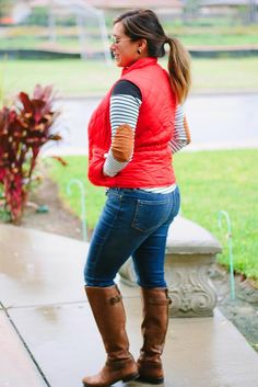 Stripes and Red Puffer Vest Puffer Vest Outfit, Red Puffer Vest, Red Vest, Vest Outfits, Cute Outfits, Casual Outfits, Country Outfits, Fashion Outfits, Fall Winter Outfits