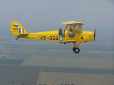 Tiger Moth Flights - Enjoy an 'olde worlde' experience in our 1941 Tiger Moth aircraft. Relive the sensation that WWII trainee pilots experienced whilst training to become Spitfire and other fighter pilots. Flights to Cradle of Humankind and then over to the Magalies Mountain Range. Tiger Moth Flights are done in a de Havilland DH 82 Tiger Moth, 1930 biplane designed by Geoffrey de Havilland. These planes were first used as a RAF training plane.