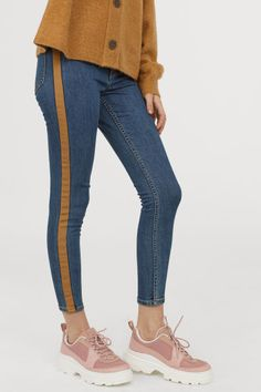 Shop online for jeans for women at H&M. From boyfriend and biker styles to distressed skinnies and high-waisted flares, find your perfect fit and wash. Ripped Denim, Denim Jeans, Trendy Jeans, High Waisted Flares, Boyfriend Style, Biker Style, Super Skinny, Skinny Legs, Blue Denim
