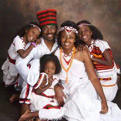 Black Love is Beautiful Black Love, Black Is Beautiful, Black And Brown, Black Art, Ethiopian Traditional Dress, Traditional Dresses, Muslimah Wedding Dress, Wedding Dresses, Beautiful Family