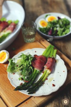 Grilled asparagus in Parma ham and goat's cheese