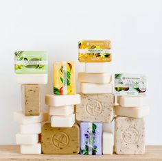 Our soaps contain ingredients from natural origin, to take care of you… and the planet! Personal Hygiene, Body Love, Belleza Natural, Face And Body, Makeup Cosmetics, Free Gifts, Make Up, Skin Care, Instagram