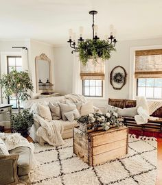 Awesome modern french country decor are readily available on our site. Have a look and you wont be sorry you did. Living Room Inspo, Decor, Farm House Living Room, Farmhouse Decor Living Room, Home And Living, Living Room Designs, House Interior, Room, Country Living Room