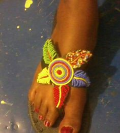 This is a sandal made from bead art work African Design, African Style, African Dress, African Fashion, Beaded Shoes, Beaded Sandals, Beaded Jewelry, Bohemian Sandals, Boho