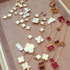 Van Cleef Arpels, Gold Necklace, Bracelets, Jewelry, Gold Pendant Necklace, Jewlery, Bijoux, Jewerly, Bracelet