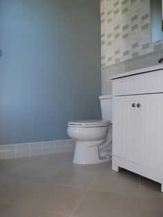 Modern Bathroom Ideas for Guests and Master Bathroom: Bright Interior Design Ideas Applied In Modern Master Bathrooms Finished With Blue And...