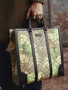0b19bb3aca34 17 Best Gucci woc images | Gucci handbags, Gucci purses, Gucci bags