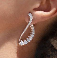 Jewelry Design Earrings, Cute Earrings, Jewelry Sets, Unique Jewelry, Fine Jewelry, Jewelry Necklaces, Crystal Earrings, Indian Jewelry, Bridal Jewelry