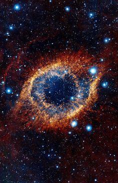 #HelisBulutsusu #Yaklaşık 700 ışıkyılı uzaklıkta Kova takım yıldızında ❤✨ #HelixNebula #The Helix Nebula in the constellation of Aquarius about 700 light-years away, spanning about 0.8 parsecs - 2.5 light-ye