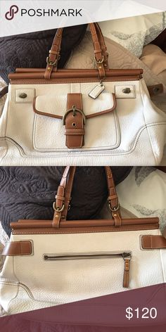 Leather Coach Purse Beautiful leather coach purse in excellent condition.  Inside has real pretty orange 05d304c748
