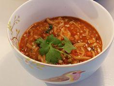 Min datter Karoline er så flink oglage kjøttfri middag. Denne suppen lagde hun, dahun var hjemme på vinterferie. Det er ikke vanskelig å spise kjøttfritt, når suppen blir så god og mettende. Hari…