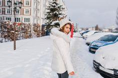 Новогодние каникулы – самая подходящая пора, чтобы забраться на диване под уютный плед с чашкой ароматного чая, новым ежедневником, помечтать и составить планы на новый год. Вы уже знаете, что стоит внести в него, чтобы 2018 год стал ярким, искромётным и незабываемым? А как насчёт того, чтобы попробовать что-нибудь новенькое? How to Green совместно с издательством «Манн, Иванов и Фербер» выбрали 14 вдохновляющих, заряжающих, интеллектуальных и просто приятных дел, которые украсят ваш 2018…
