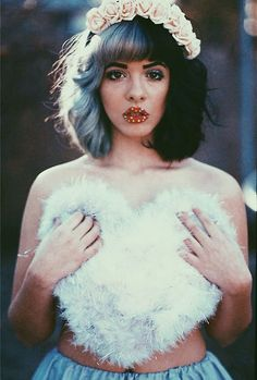 I would so gladly be Melanie Martinez for a day. Love the hair.