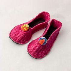 Make Fun Felt Indoor Slippers