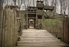 Foot path to the gate Airsoft Field, Paintball Field, Historical Architecture, Architecture Design, How To Build A Log Cabin, Systems Art, Medieval Town, Fortification, Fantasy