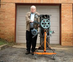 Radically Cheap: The Story of Pat Delany, Open Source Machine Tools Advocate Texan builds machine tools from car parts to save the world. Metal Projects, Metal Crafts, Diy Projects, Tips And Tricks, Tools And Equipment, Dremel, Homemade Machine, Metal Workshop, Workshop Plans