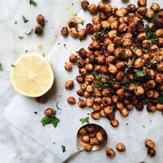Saturdays are for snacking. These crispy crunchy roasted chickpeas are coated in tahini and spices…