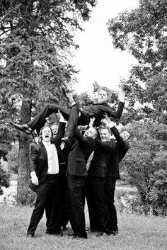 52 Awesome Groomsmen Photos You Can't Miss - Wedding photo inspiration - Wedding Poses, Wedding Couples, Wedding Ideas, Decor Wedding, Wedding Photoshoot, Wedding Dresses, Bridesmaids And Groomsmen, Wedding Photo Inspiration, Wedding Pictures