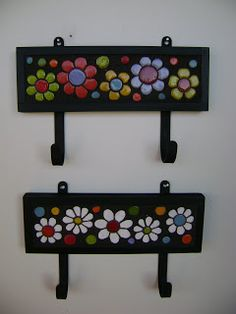 Flores avulsas palito Gde ( 36 cms.) R$ 16,00                 Med ( 26cms. )  R$ 14,00                 ... Mosaic Art Projects, Mosaic Crafts, Mosaic Designs, Mosaic Patterns, Foam Crafts, Diy And Crafts, Mirror Crafts, Mosaic Tile Art, Stone Crafts