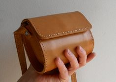 small leather purse ++ blue drop