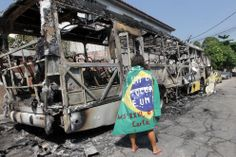 "http://revoluciontrespuntocero.com/agria-limpieza-social-de-rousseff-en-favelas-de-rio-de-janeiro-fotografias/ Agria ""limpieza social"" de Rousseff en favelas de Río de Janeiro"