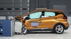 Prueba de choque Chevrolet Bolt EV 2017, TOP SAFETY PICK - http://autoproyecto.com/2017/06/prueba-de-choque-chevrolet-bolt-ev-2017-top-safety-pick.html?utm_source=PN&utm_medium=Pinterest+AP&utm_campaign=SNAP
