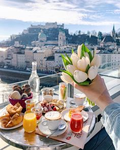 LIKE TIME 💐 ВЕСЕННИЙ ЛАЙК ТАЙМ 👇🏼 ⠀ The first day of spring! Welcome March 🌷 Mornings in Salzburg ☀️ ⠀ Do you want… Vibe Hotel, Good Morning Coffee, Happy Morning, Cookery Books, First Day Of Spring, Start The Day, Beautiful Morning, Aesthetic Food, Recipe Of The Day