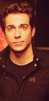 Zachary Levi, I LOVE YOU!!!!!!