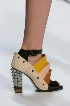 40 fantastiche immagini su Scarpe e calze | Scarpe, Scarpe