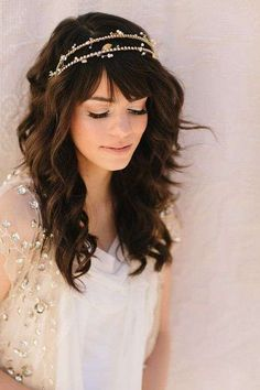 Idee per acconciature da sposa con la frangia - Capelli sciolti e cerchietto