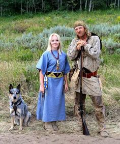 How to Prepare a Bug Out Laptop Kit – Bulletproof Survival Native American Clothing, Native American Regalia, Native American Women, American War, Early American, Historical Costume, Historical Clothing, Mountain Man Clothing, Mountain Man Rendezvous