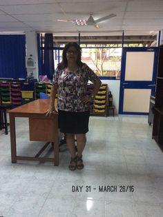 Day 31 - #ClosetChallenge - Otra blusa de la serie M&S. Es de las que Laura me trajo de Budapest cuando vino en Diciembre a pasar Navidad con nosotros en Sri Lanka.