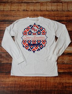Stay warm in this super stylish Sam Houston State University long sleeve t-shirt! Who doesn't love a frocket?