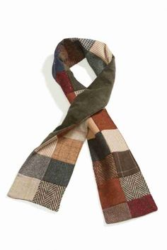 PATCHWORK TWEED SCARF - backed in corduroy. Doesn't look like the wool is felted. Good use for scrappy bits!