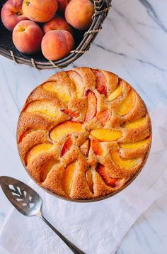Peach Cake with Fresh Summer Peaches - The Woks of Life This Peach Cake has a wonderfully dense crumb flavored with cinnamon, vanilla, and plenty of big wedges of summer peaches. No Bake Desserts, Just Desserts, Dessert Recipes, Peach Cake Recipes, Recipes With Peaches, Summer Cake Recipes, Summer Cakes, Summer Desserts, Cheesecakes
