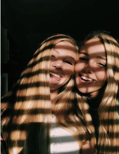 🌵🌞💫Explore positive energy ideas DIY with best friends! 🌵🌞💫Explore positive energy ideas DIY with best friends! Bff Pics, Photos Bff, Cute Friend Pictures, Artsy Photos, Friend Picture Poses, Photo Pour Instagram, Best Friend Fotos, Best Friend Pics, Shotting Photo